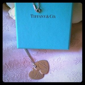 MAKE AN OFFER Tiffany Double Heart Necklace